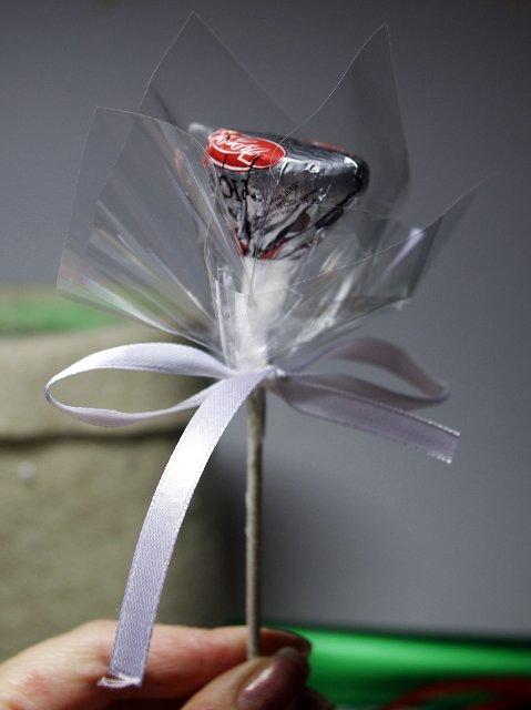 Как сделать новогодний букет своими руками из бумаги