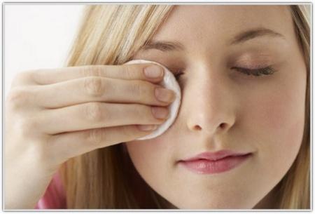 Как ухаживать за кожей в области глаз