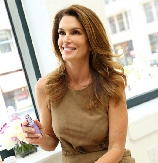 Как сохранить молодость на долгие годы: секреты красоты Синди Кроуфорд