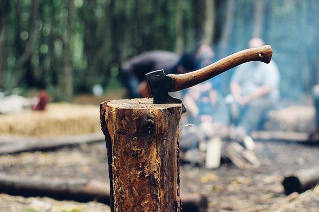 Как сделать дровник на дачном участке