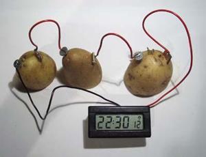 Для работы часов не хватает одной картошки? Используйте три!