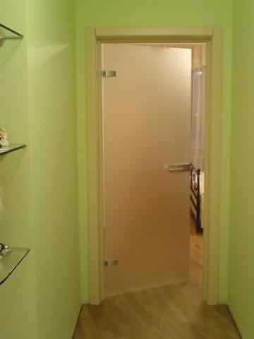 Как самостоятельно отремонтировать просевшие двери в квартире?
