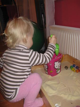 Как необычно занять ребенка дома