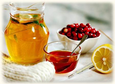 Пейте больше жидкости, принимайте витамин С, сделайте напиток из клюквы