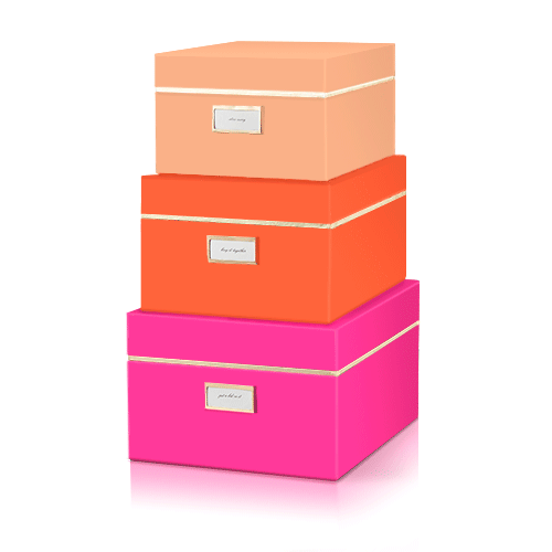 яркий, но сбалансированный всплеск цвета в интерьере: коробки для хранения