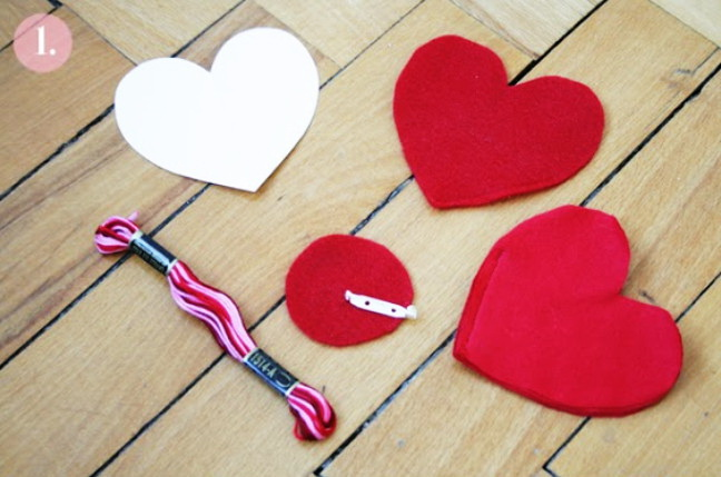Как сделать оригинальную валентинку – брошь на День Влюбленных
