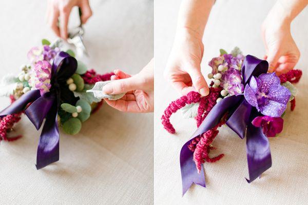 Как сделать свадебную подушку для колец из живых цветов?