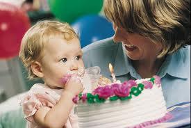 Как поздравить с рождением малыша?