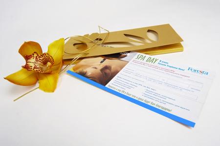 Еще один вариант – это всевозможные подарочные сертификаты, оформленные в виде открытки