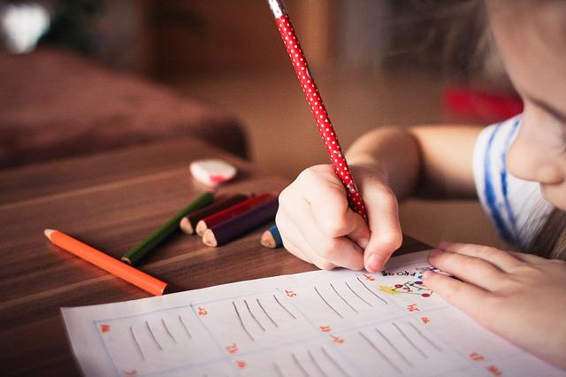 как приучить ребенка к выполнению домашних обязанностей