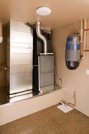 Так же существуют более масштабные влагопоглотители, которые подсоединяются к вашему центральному отоплению и системе кондиционирования воздуха