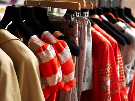 Важный момент в подборе правильных цветов для вашего гардероба – это умение отдать предпочтение тем, что будут выгодно оттенять вашу кожу