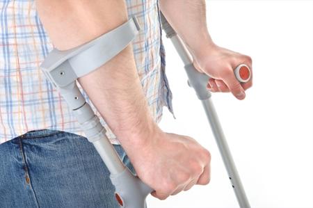 специальные устройства, позволяющие вам передвигаться, способны дать вам возможность стоять и ходить на определенные расстояния, значительно снижая риск падения