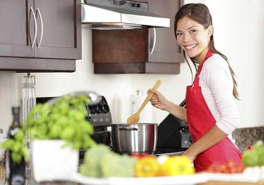 Как облегчить кулинарные хлопоты: 15 кухонных лайфхаков