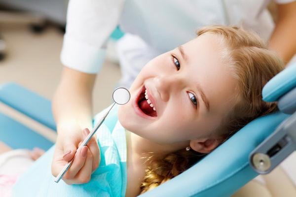 Как подготовить ребенка к посещению стоматолога и не бояться процедур