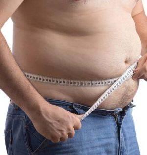 Плюс, мужчины чаще всего набирают жир именно в данной области