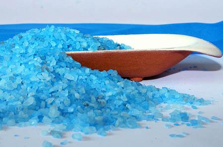 принимайте ванну с чистой морской солью