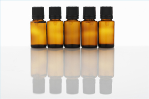 грамотные производители продают масла в темно-коричневых бутылочках с плотной крышкой