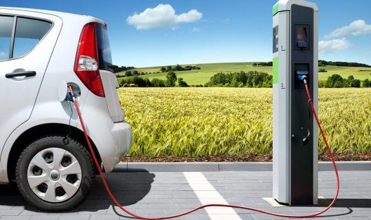 Как современные электромобили покоряют авторынок