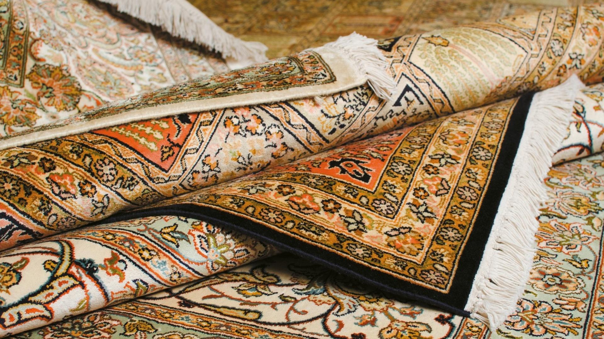 Как профессионалы занимаются стиркой ковров