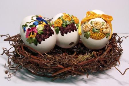 Как сделать вышивку на яичной скорлупе к Пасхе