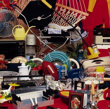 Люди на самом деле способны сделать окружающее их пространство в доме более раздражающим и менее эффективным, если не проанализируют необходимость всех принадлежащих им вещей