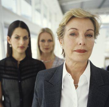 Найти в вашей отрасли женщину, с которой можно контактировать – это критично