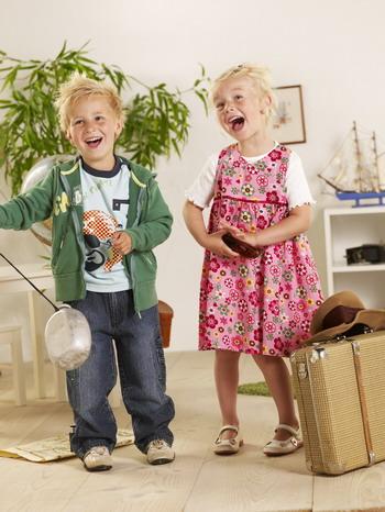 Как подобрать гардероб для ребенка старше года