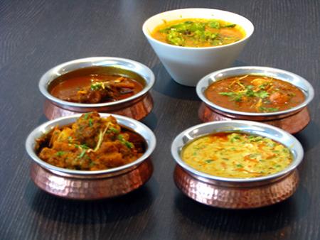 Начиная с кадайских чаш, и до африканских таджинов, Среднему востоку, Африке и Азии есть что вам предложить в отношении экзотической посуды, в которой можно подавать еду.