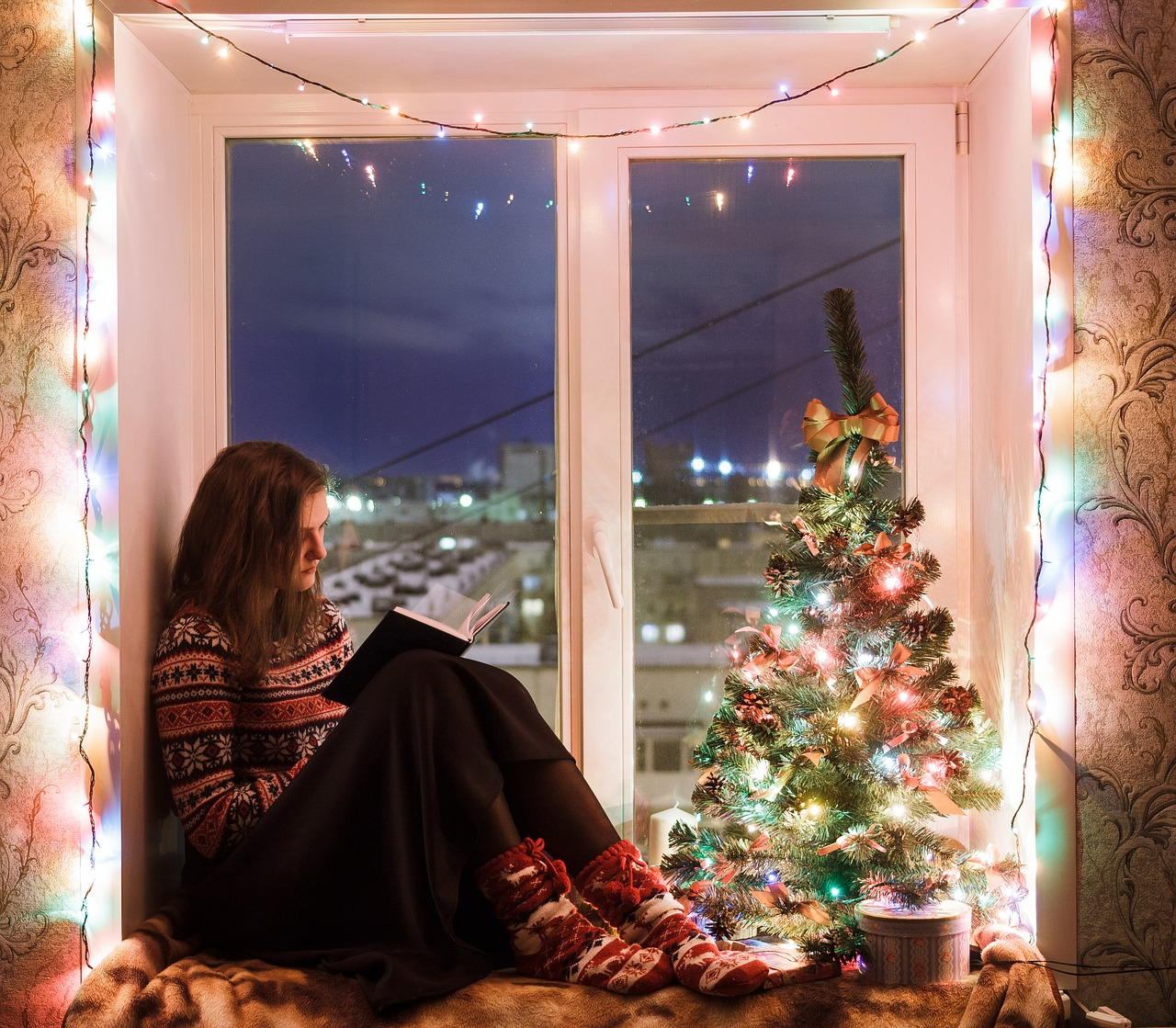 Как украсить окна на Новый год 2019