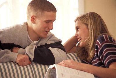 девушке вы вполне можете понравится просто как человек, без рассмотрения вас на роль пары – романтический интерес у них часто отделяется от интереса платонического, последнее называется симпатией