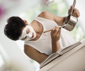Как приготовить домашние маски для лица