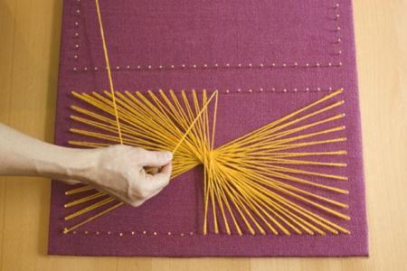 Как обучиться и применить технику нитяной графики?
