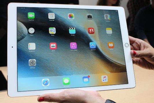 Как компания Apple презентовала новые гаджеты iPhone 6S и iPad Pro