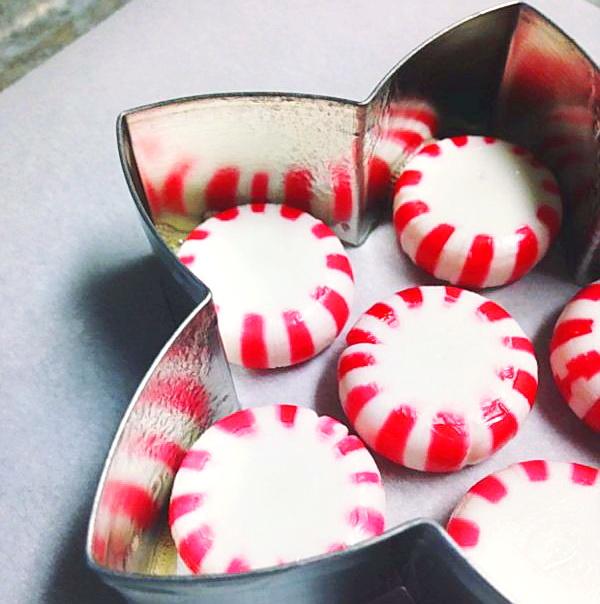 Как сделать вкусные елочные игрушки из карамели?