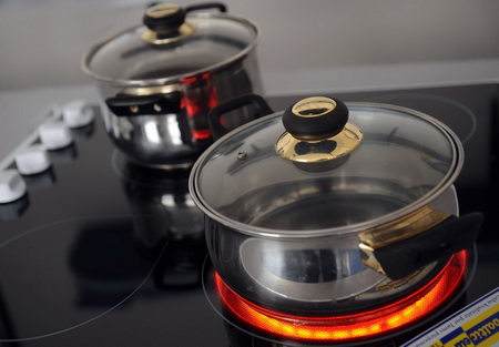 Как выбрать посуду для стеклокерамических плит