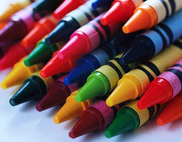 Как создаются необычные картины из восковых карандашей?