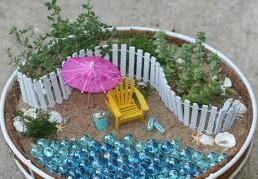 Как выглядят миниатюрные садики в интерьере