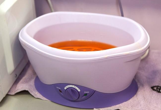 Как правильно выбрать ванночку для парафинотерапии в домашних условиях?