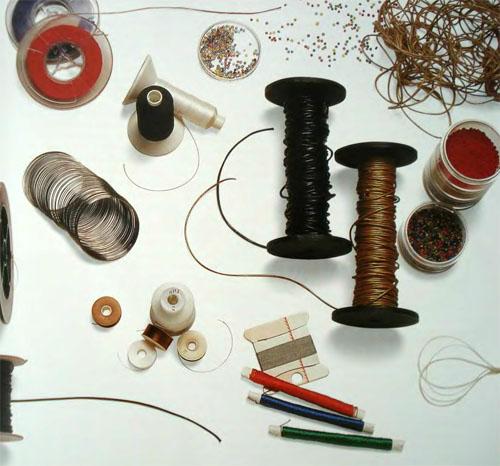 Для изготовления фигурок вам понадобятся такие материалы и инструменты. основы для брошек, колец, сережек, заколок...