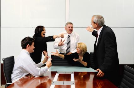 Отказывайте принимать участие в «сеансах» выплескивания отрицательной энергии на окружающих