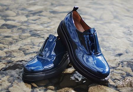 Как правильно ухаживать за лакированной обувью