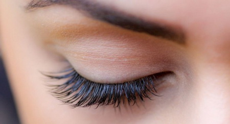 Как правильно снимать макияж с нарощенными ресницами?
