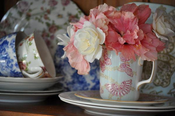 Как украсить дом цветами: 10 необычных идей для ваз