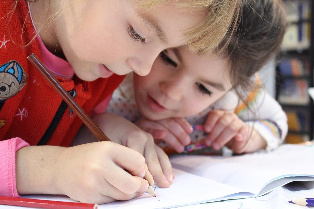 Как помочь детям найти себе друзей