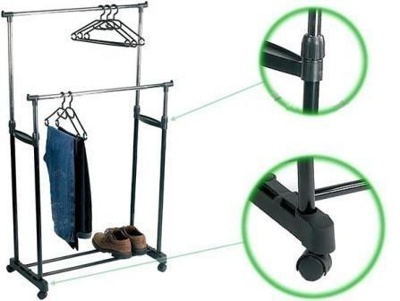 Как выбрать напольную вешалку для одежды?