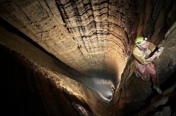 Спуск в самой глубокой пещере мира в Абхазии Крубера-Воронье