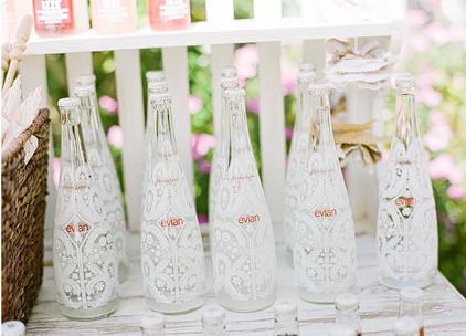 Бутылки с рисунком из кружева