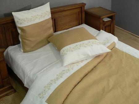 Как выбрать постельное белье: цвет, материал, уход