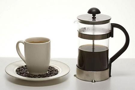 одновременно и оперативнее, и эффективнее френч-пресса в задаче приготовления кофе нет ничего